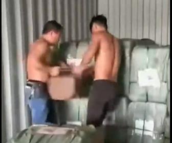 【動画】中国人、荷物をコンテナに積み込む方法がヤバい