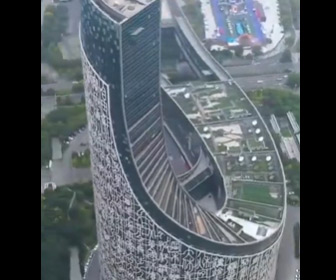 【動画】中国にできた高層ビルのデザインが凄すぎる