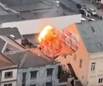 【動画】熱気球が街に落下し炎上してしまう衝撃映像