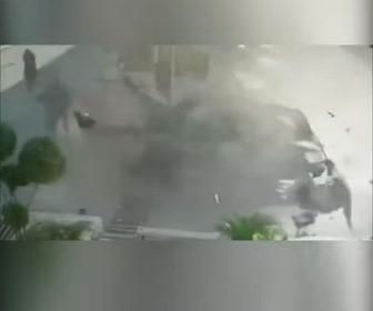 【動画】天然ガス自動車がガソリンスタンドで突然大爆発してしまう