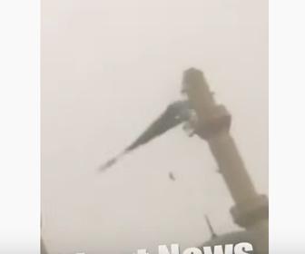 【動画】強風でモスクのミナレット(搭)が落下してしまう衝撃映像