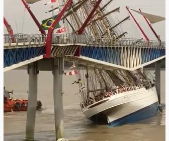 【動画】ブラジル海軍の大型帆船が橋に激突してしまう衝撃映像