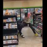 【動画】コンビニで大乱闘。男達が激しい殴り合いをする衝撃映像
